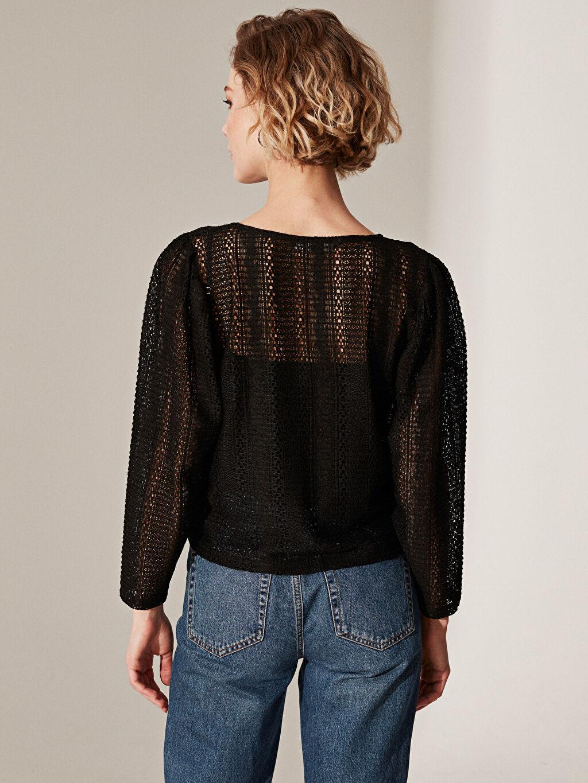 Kadın Dantel Detaylı V Yaka Bluz