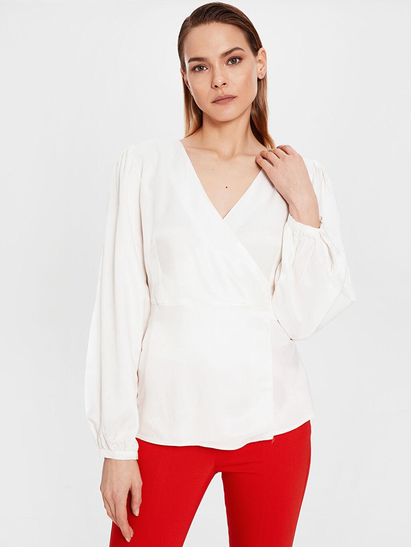 Kadın Kuşak Detaylı Viskon Bluz