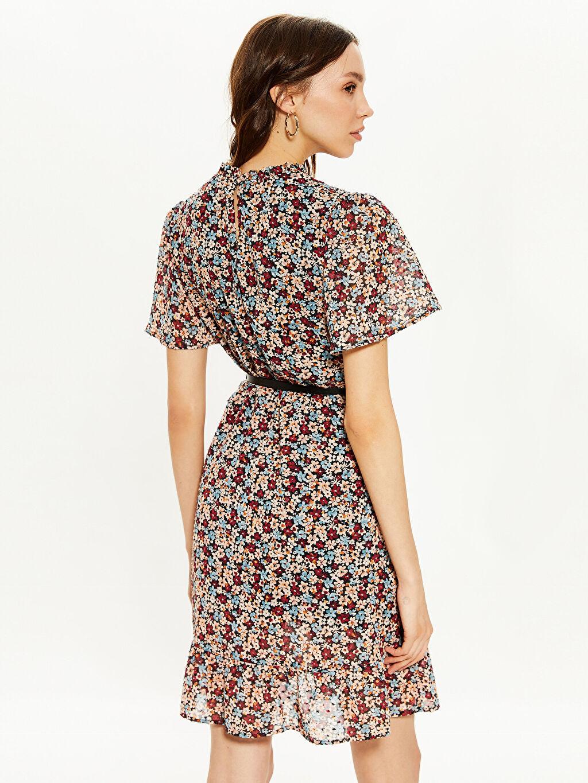 Kadın Çiçek Desenli Kemerli Şifon Elbise