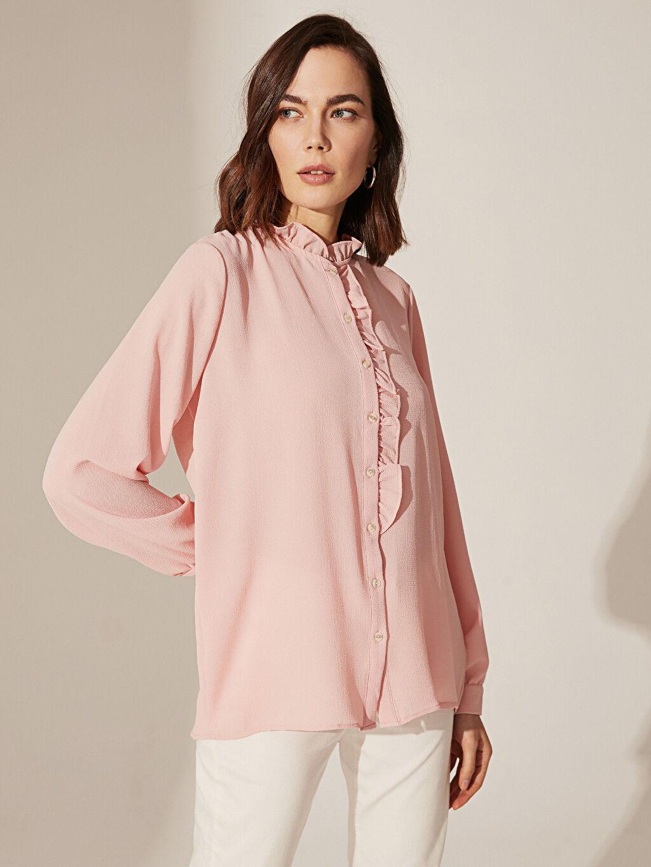 %97 Polyester %3 Elastan  Dokulu Kumaştan Fırfır Detaylı Gömlek