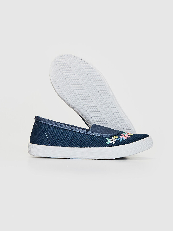 Kız Çocuk Kız Çocuk Çiçek Nakışlı Bez Babet Ayakkabı