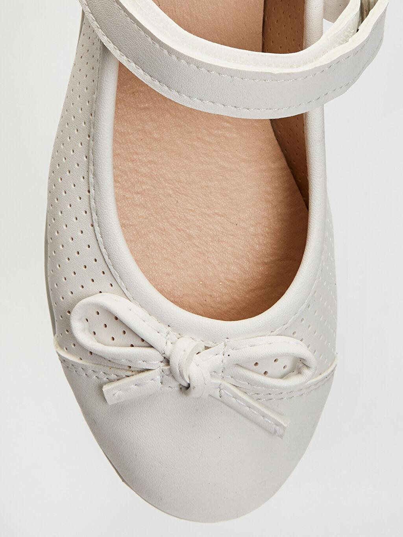 LC Waikiki Beyaz Kız Çocuk Fiyonk Detaylı Babet Ayakkabı