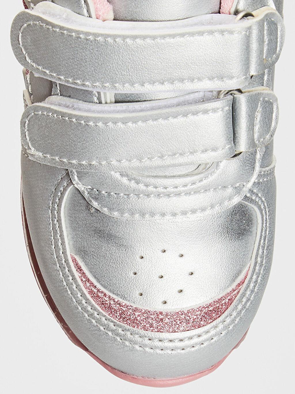 LC Waikiki Gri Kız Bebek Işıklı Günlük Ayakkabı