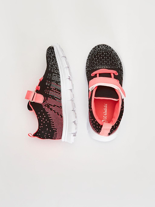 %0 Tekstil malzemeleri (%100 poliester)  Kız Bebek Cırt Cırtlı Aktif Spor Ayakkabı