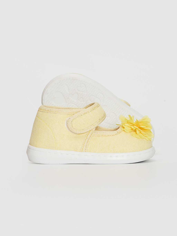LC Waikiki Sarı Kız Bebek Cırt Cırtlı Bez Babet Ayakkabı
