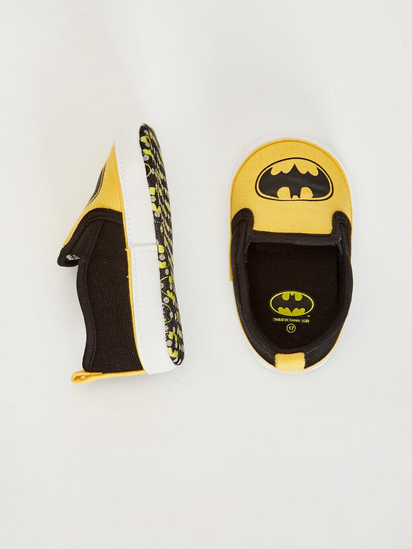 Siyah Erkek Bebek Batman Lisanslı Bez Yürüme Öncesi Ayakkabı 0SE549Z1 LC Waikiki