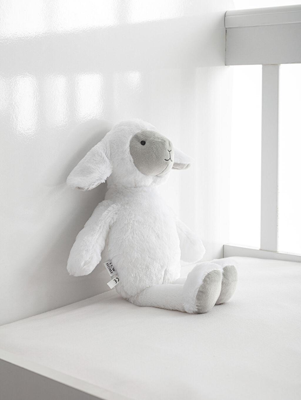 Beyaz Pelüş Kuzu Kırlent 9SR776Z1 LC Waikiki