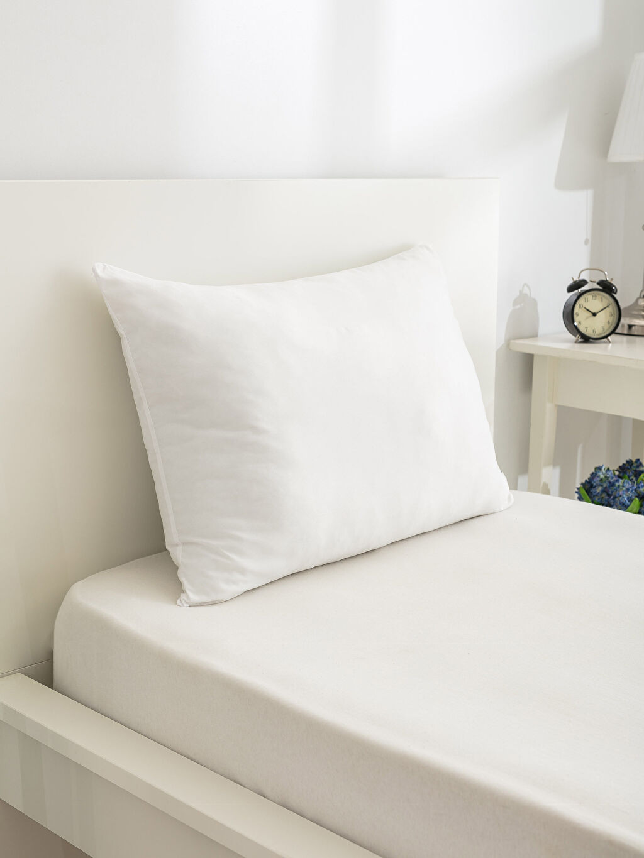 Beyaz Boncuk Elyaf Yastık 9WH803Z8 LC Waikiki