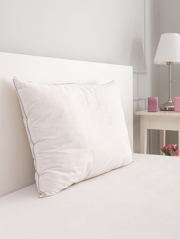 Beyaz Pamuklu Yastık 0S9072Z8 LC Waikiki