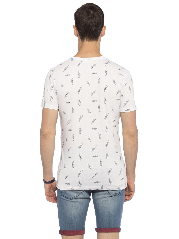 %100 Pamuk Normal Baskılı Tişört V yaka Beyaz Baskılı Normal V yaka LCW Young Tişört