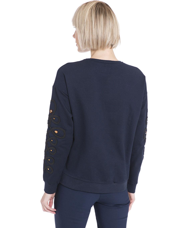 %82 Pamuk %18 Polyester  Kolları Örgü ve Renkli Taş İşlemeli Sweatshirt