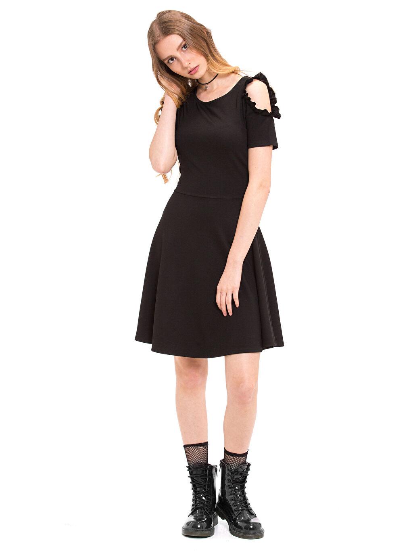 %25 Polyester %71 Viskoz %4 Elastan Diz Üstü Düz Omuzu Açık Fırfır Detaylı Elbise