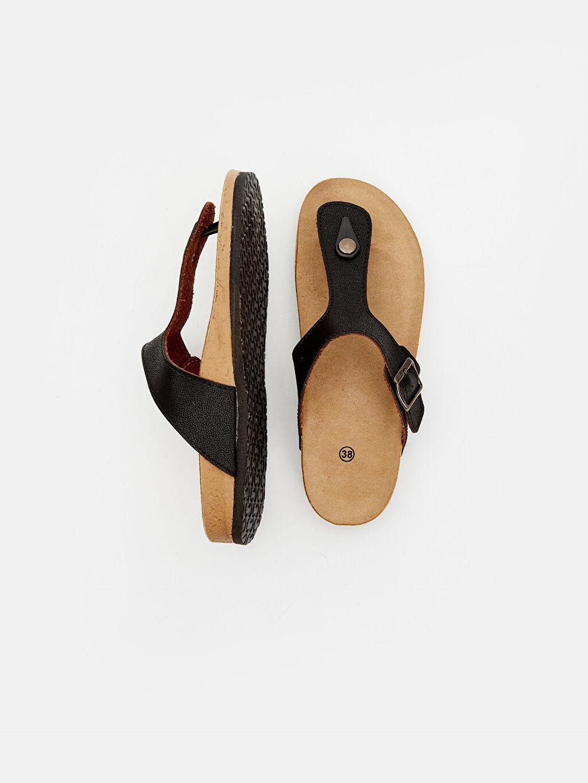 Diğer malzeme (poliüretan) Diğer malzeme (poliüretan) Terlik ve Sandalet Deri Görünümlü Parmak Arası Terlik