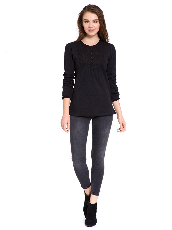 Kadın Yakası İşleme Detaylı Pamuklu Tişört