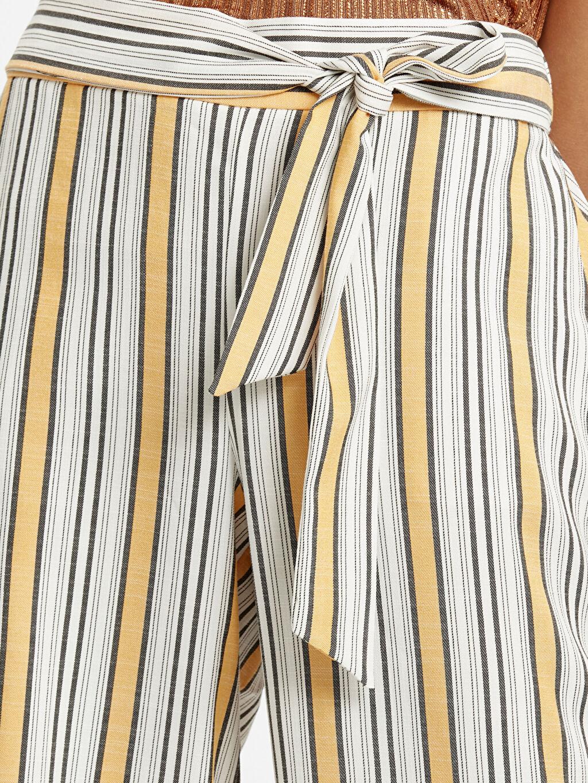 %41 Poliester %57 Vıscose %2 Elastane Beli Lastikli Çizgili Bilek Boy Pantolon