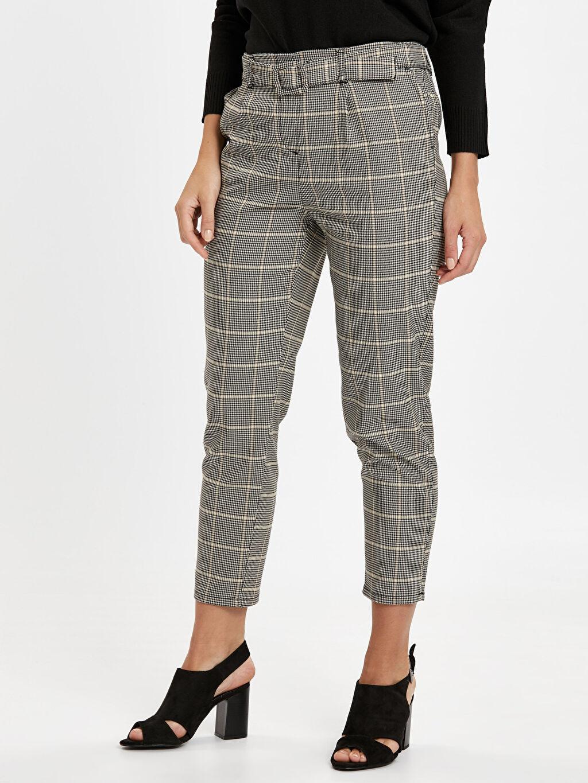 %67 Polyester %30 Viskoz %3 Elastan Normal Bel Havuç Esnek Lastikli Bel Pantolon Kemerli Ekose Havuç Pantolon