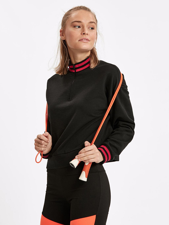 Siyah Yakası Fermuarlı Sweatshirt 8WK624Z8 LC Waikiki