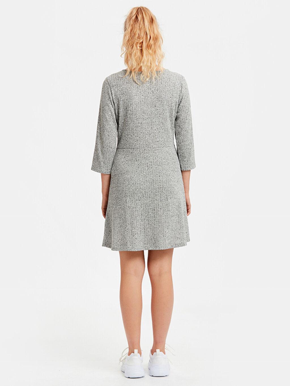 %55 Polyester %45 Viskoz Diz Üstü Desenli Uzun Kol Kruvaze Düğmeleme Detaylı Kendinden Desenli Elbise