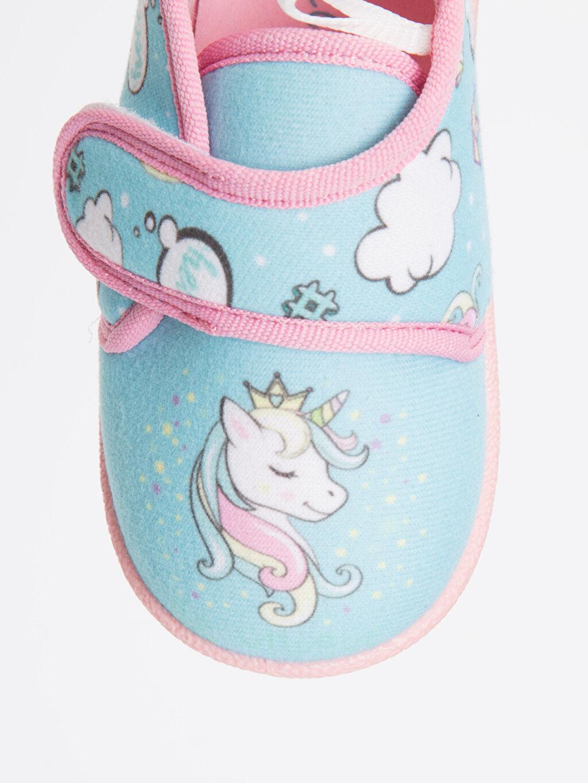 LC Waikiki Turkuaz Kız Bebek Unicorn Desenli Ev Ayakkabısı
