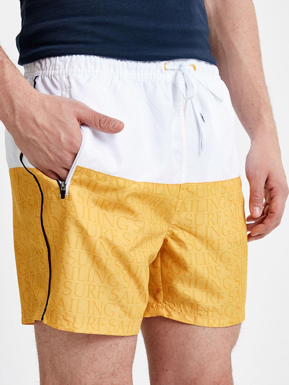 Erkek Kısa Boy Standart Kalıp Baskılı Deniz Şortu