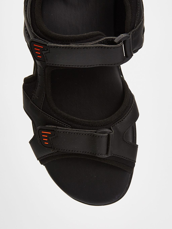 LC Waikiki Siyah Erkek Cırt Cırtlı Sandalet