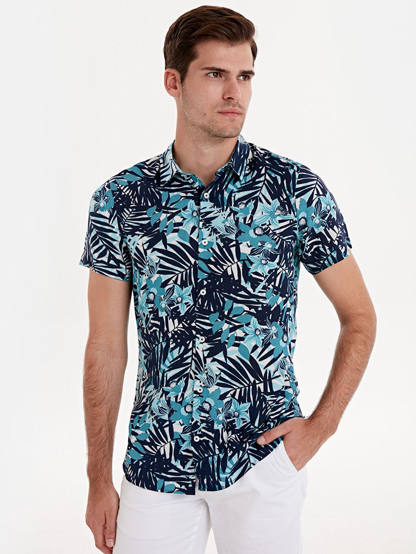 %100 Viskon Desenli Gömlek Düğmesiz Dar Kısa Kol Slim Fit Desenli Kısa Kollu Gömlek
