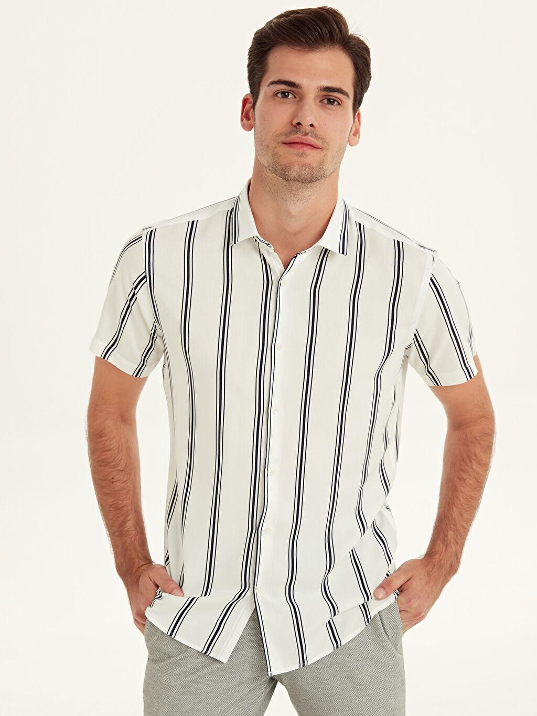 Beyaz Slim Fit Çizgili Kısa Kollu Viskon Gömlek 9SC491Z8 LC Waikiki