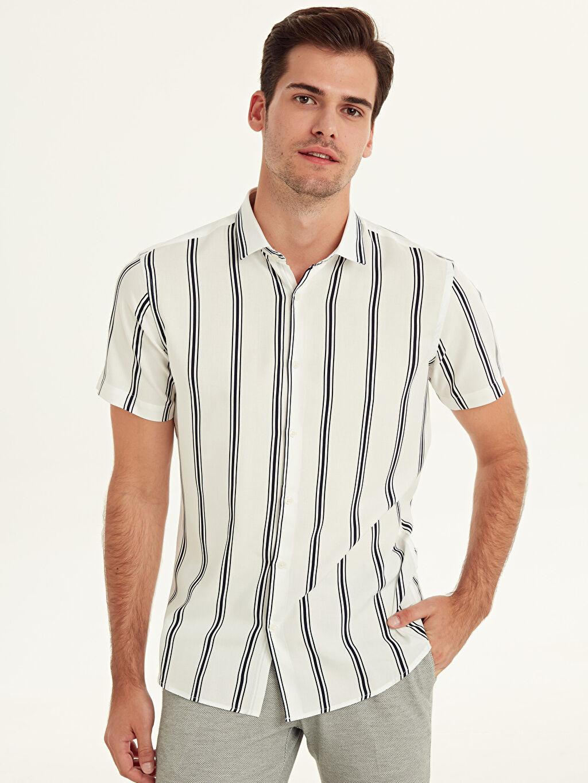 Erkek Slim Fit Çizgili Kısa Kollu Viskon Gömlek