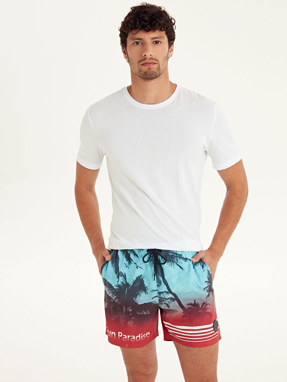 %100 Polyester %100 Polyester  Diz Hizası Boy Baskılı Deniz Şortu