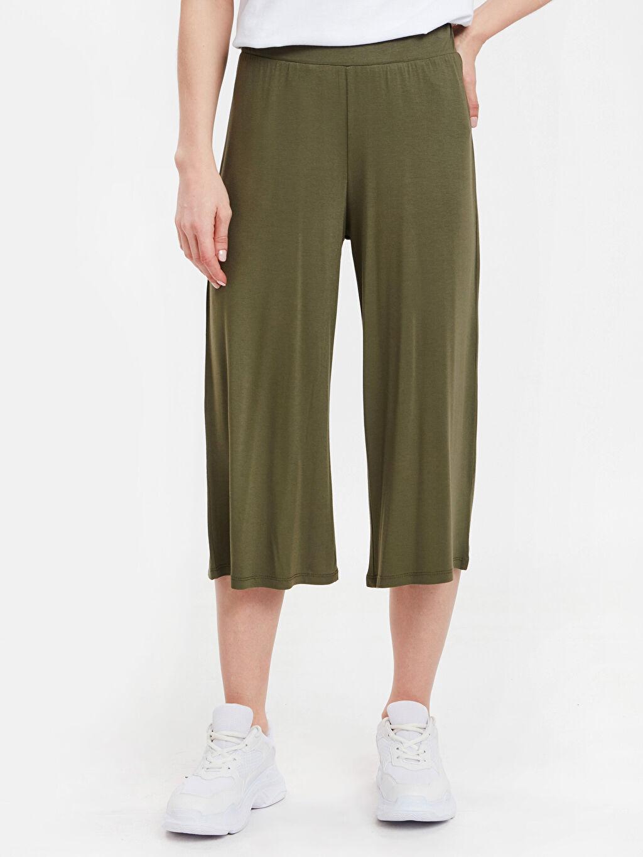 %97 Viskon %3 Elastan Standart Kısa Paça Pantolon Normal Bel Beli Lastikli Kısa Paça Pantolon