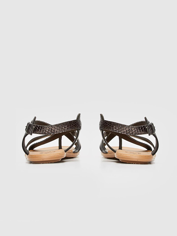 Kadın Çapraz Bantlı Sandalet