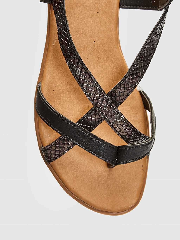 LC Waikiki Siyah Kadın Çapraz Bantlı Sandalet
