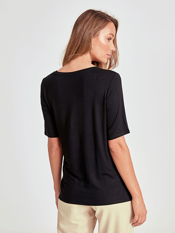 Kadın Pul İşlemeli Tişört