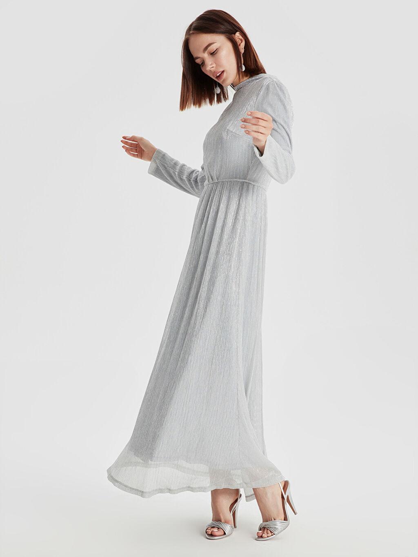 Gri Işıltılı Şifon Uzun Abiye Elbise 9SO896Z8 LC Waikiki