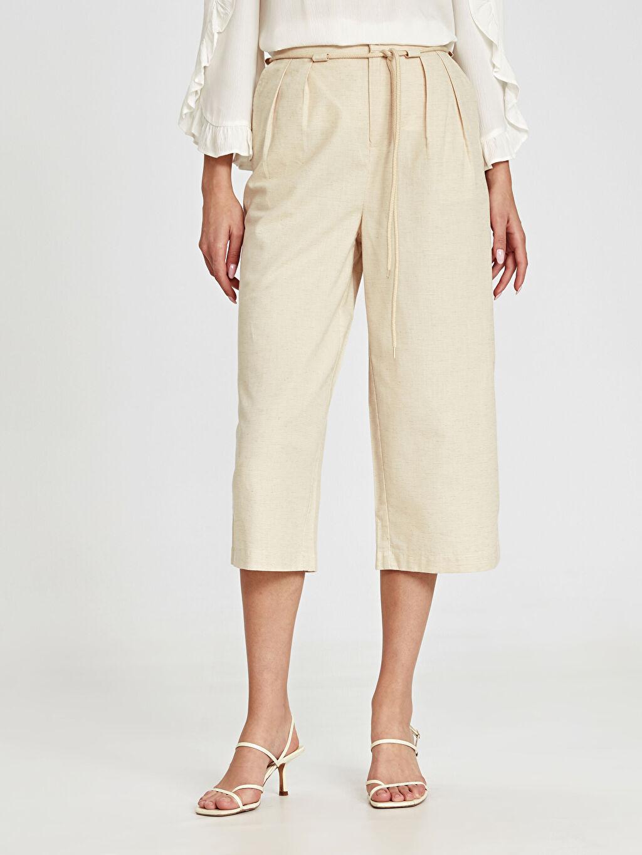 Kadın Kemerli Yüksek Bel Kısa Paça Pantolon