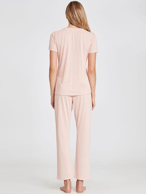 Kadın Yakası Dantel Detaylı Pijama Takımı