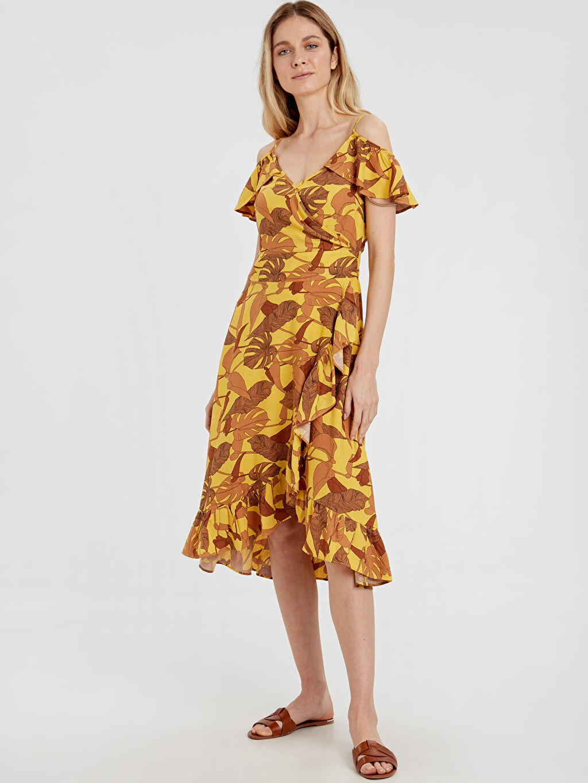 Sarı Fırfır Detaylı Açık Omuz Desenli Elbise 9SR239Z8 LC Waikiki