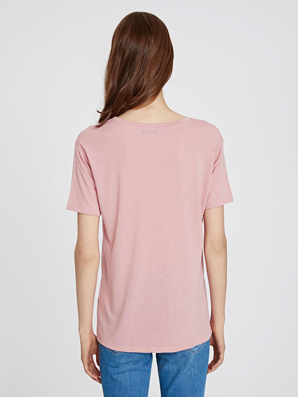 Kadın Pul Nakışlı Tişört