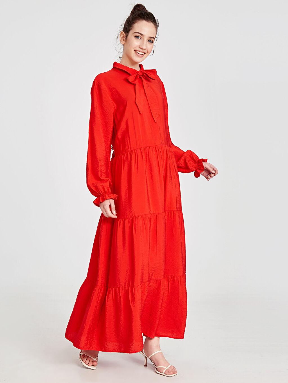 Kırmızı Yaka Detaylı Salaş Viskon Elbise 9SU222Z8 LC Waikiki