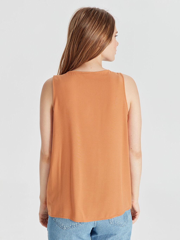 Kadın Kolsuz Viskon Gömlek