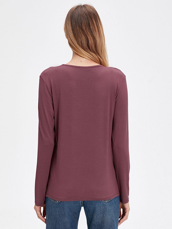 Kadın Yakası İşlemeli Viskon Tişört