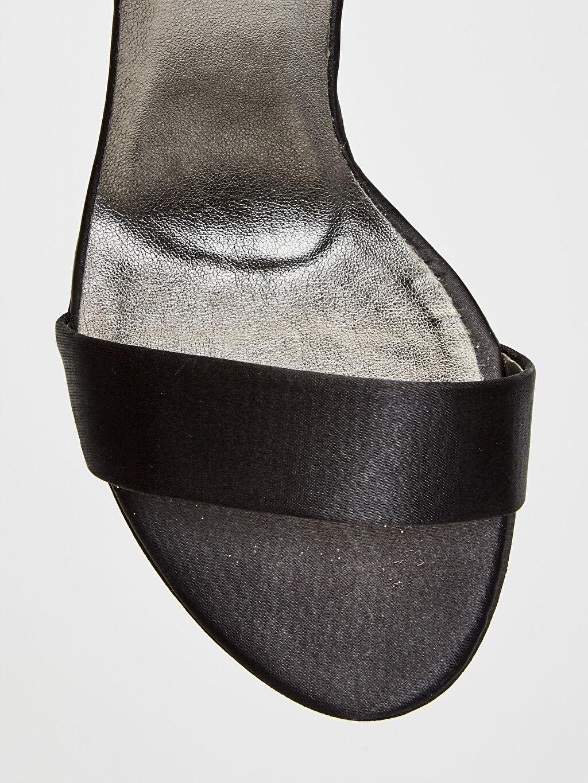 LC Waikiki Siyah Kadın Sivri Topuklu Ayakkabı