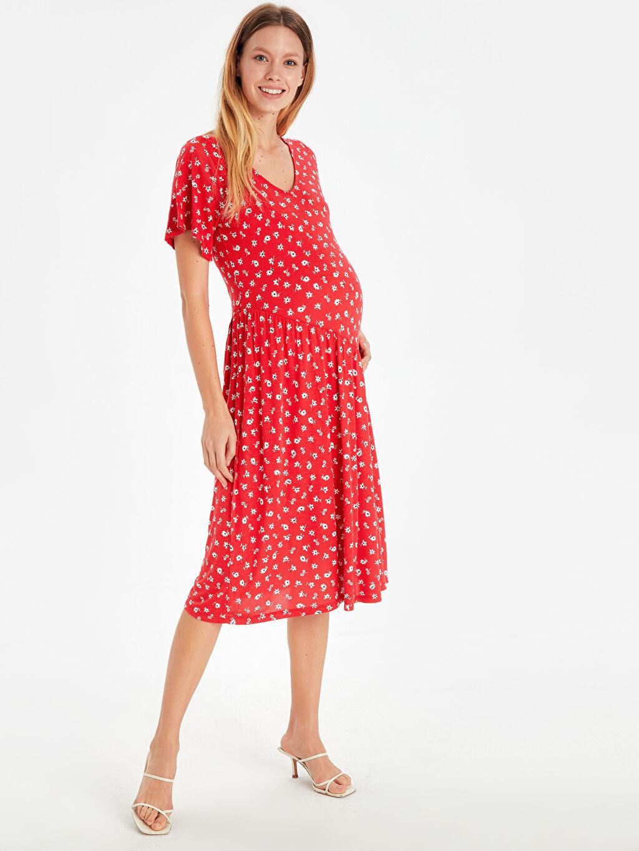 Kırmızı Çiçek Desenli Viskon Hamile Elbise 9SA296Z8 LC Waikiki