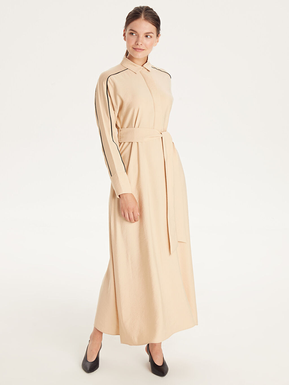 %15 Polyester %85 Viskon Uzun Düz Uzun Kol Kendi Kumaşından Kuşaklı Uzun Viskon Elbise