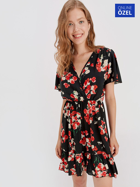 Siyah Çiçek Desenli Viskon Elbise 9SB117Z8 LC Waikiki