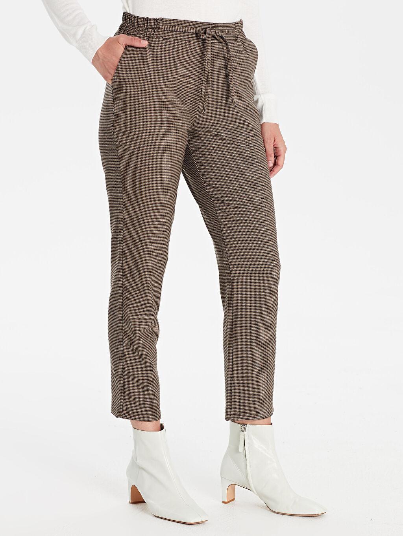 %63 Polyester %3 Elastan %34 Viskon Normal Bel Lastikli Bel Pantolon Havuç Beli Lastikli Bilek Boy Ekose Havuç Pantolon