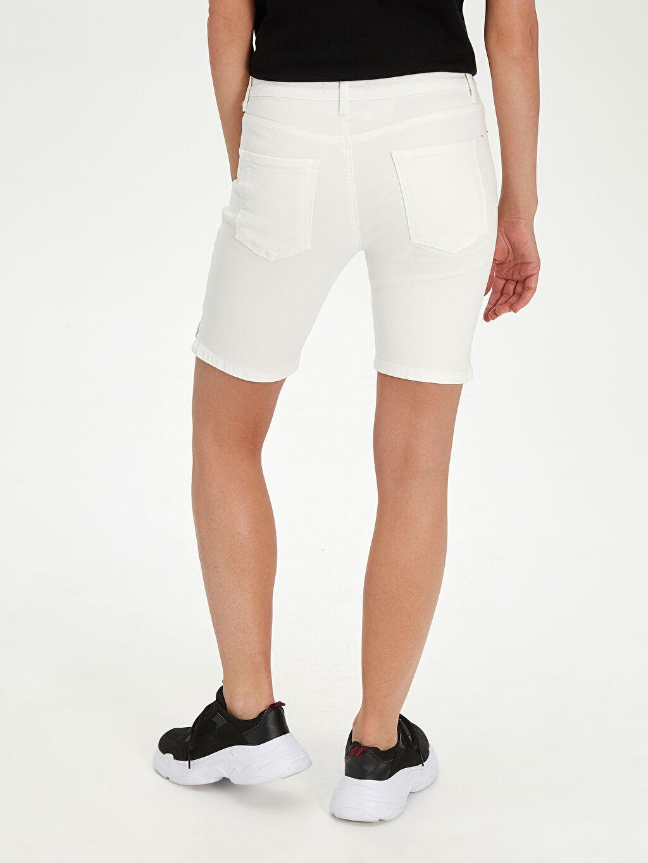 LC Waikiki Beyaz Yüksek Bel Skinny Jean Şort