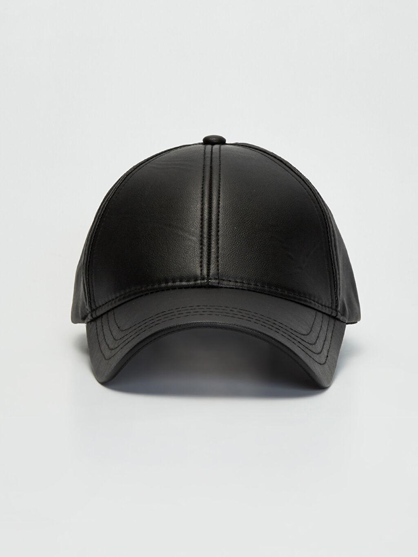 Deri Görünümlü Şapka