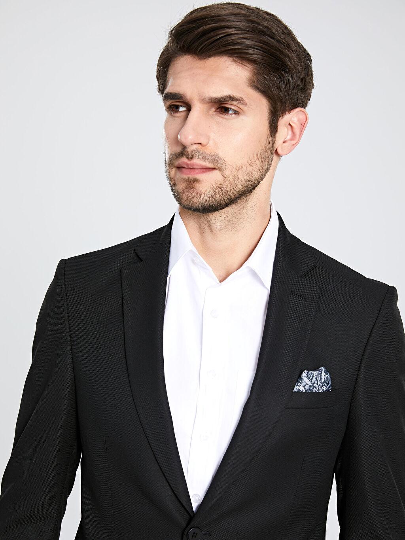 %69 Polyester %2 Elastan %29 Viskoz %100 Polyester  Dar Kalıp Blazer Ceket