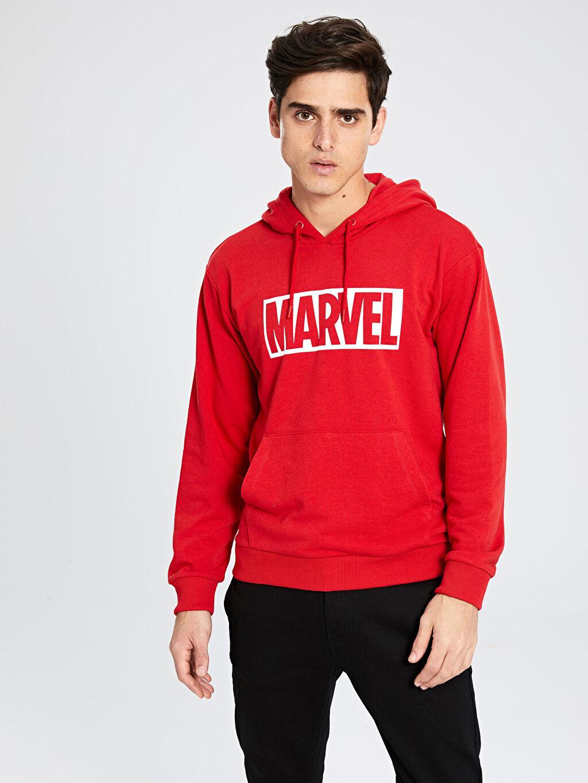 Kırmızı Marvel Baskılı Kapüşonlu Kalın Sweatshirt 9WU285Z8 LC Waikiki